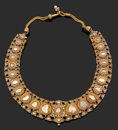 A late 18th century Indian diamond and 18K gold necklace.