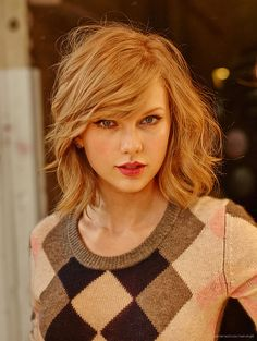 Taylor Swift - Added to Beauty Eternal - A collection of the most beautiful women. Style Taylor Swift, All About Taylor Swift, Taylor Alison Swift, Taylor Swift Short Hair, Taylor Swift Haircut, Taylor Swift Photoshoot, Beauty And Fashion, Taylor Swift Pictures, My Hairstyle