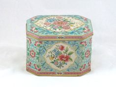 Vintage Floral Tin Jewelry Box by Daher and Made in by IdaEstelle, $32.00
