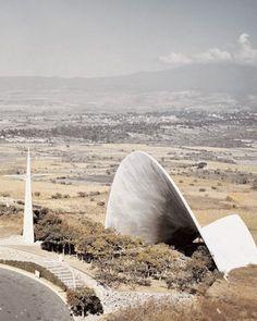 arqbto:  Capilla abierta — Guillermo Rossell, Manuel Larrosa y Félix Candela (1959) Cuernavaca, México.   Open air chapel of Palmira, Las Lomas de Cuernavaca, Morelos, Mexico 1959