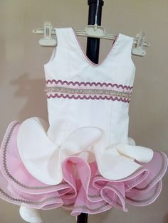 Niña flamenca Baby Dress, Designer Children, Diy And Crafts, Kids Outfits, Sewing Patterns, Glamour, Tank Tops, Womens Fashion, Prada