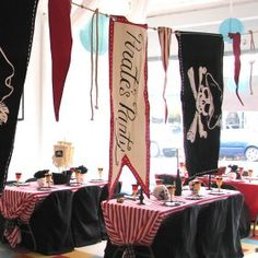 Pirate Party : St. Louis Kids Birthday Parties!, Theme Parties with Invitations, Decorations, and Party Games