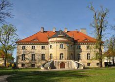 Pałac Lipskich w Lewkowie wzniesiony w latach 1786–1791 według projektu Jana Chrystiana Kamsetzera dla sędziego kaliskiego Wojciecha Lipskiego i jego żony Salomei Lipskiej z Objezierskich. Obecnie mieści się w nim Muzeum Wnętrz Pałacowych, oddział Muzeum Okręgowego Ziemi Kaliskiej w Kaliszu.
