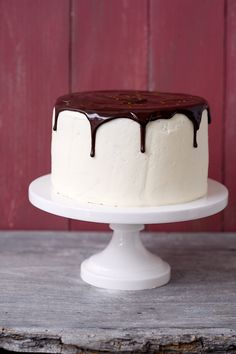 Blackberry Red Wine Chocolate Cake! I want this now! nom nom nom