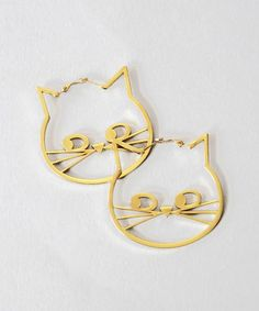 Oh my, who can do without these kitty hoop earrings?