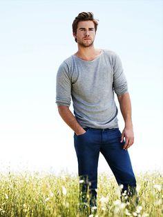 Hemsworth Brothers, Liam Hemsworth, Miley And Liam, David And Victoria Beckham, Australian Actors, Good Looking Men, Perfect Man, Beautiful Boys, Celebrity Crush