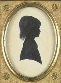 Anonymous | Portret van een onbekend meisje, Anonymous, c. 1790 - c. 1795 | Silhouet portret van een onbekend meisje. Vroeger beschouwd als een portret van Frederica Louisa Wilhelmina (1770-1819), prinses van Oranje-Nassau, de latere echtgenote van Carel George August van Brunswijk-Wolfenbüttel. Buste, naar rechts. Onderdeel van de collectie portretminiaturen.