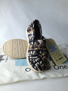 New Toddler Boy Girl Toms Color Faces Hands Shoe Size T11 11