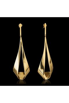 Minimal gold plated hammered texture diamond shape dangle earrings dainty 7.5mm elegant design Minimalist design