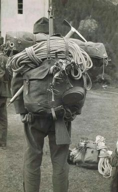Unknown (to me) mountain infantry Swiss Army Backpack, Army Rucksack, The Things They Carried, German Soldiers Ww2, Vintage Backpacks, Austro Hungarian, Adventure Gear, Military Equipment, Mountain Man