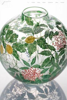 Painting Glass Jars, Glass Artwork, Paper Design, Design Art, Japanese Artwork, Islamic Patterns, Antique Pottery, Window Art, Plant Illustration
