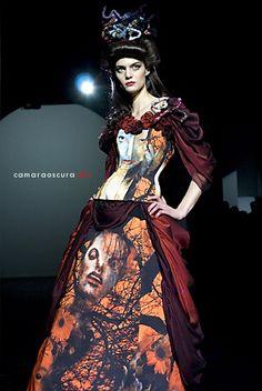 Bibian Blue.....creo que hare mi coleccion fashion art, que quedo solo en el papel en 2005 :(