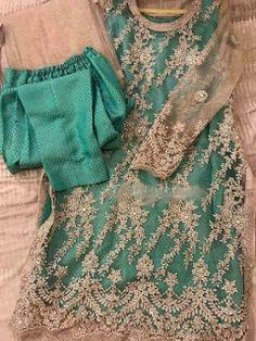 Fashion's party wear 2019 Net Dresses Pakistani, Pakistani Fashion Party Wear, Shadi Dresses, Pakistani Wedding Outfits, Pakistani Dress Design, Indian Outfits, Indian Gowns, Pakistani Kurta, Anarkali