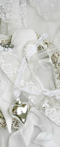 ~White Lace & Mercury Glass | The House of Beccaria#