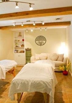 Acupuncture clinic decor ideas