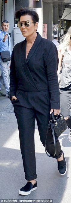 Kris Jenner shops in Paris with her toyboy boyfriend Corey Gamble Estilo Kris Jenner, Kris Jenner Hair, Kris Jenner Style, Kardashian Style, Kardashian Jenner, Kendall Jenner, Passion For Fashion, Love Fashion, Fashion Ideas