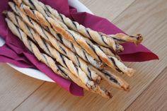 Divertidas recetas con hojaldre. Cómo hacer palitos retorcidos de varios sabores, una receta muy fácil y rápida. Recetas con hojaldre fáciles.