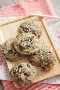 Ces cookies sont un pur bonheur…légèrement croustillants sur les bords et moelleux à coeur, ils sont généreusement garnis de pépites de chocolat et la pointe de fleur de sel app…