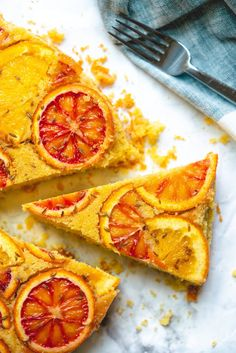 This fennel & orange upside down cornmeal cake recipe is a showstopper for special occasions! The moist cake features blood oranges for a pop of color. Delicious Cake Recipes, Healthy Dessert Recipes, Easy Desserts, Snack Recipes, Cook Desserts, Cornmeal Cake Recipe, Smoothies, Single Layer Cakes, Couple Cooking