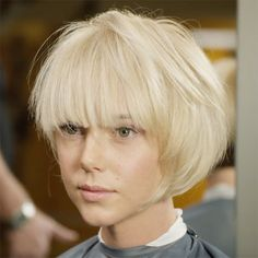 This is the cut you need to give fine and thinning clients the appearance of thicker, fuller hair. Blunt lines contribute to the illusion of fullness, plus a fringe opens up the face and contributes a denser feel. Get the how-to from NIOXIN! Cute Bob Haircuts, Asymmetrical Bob Haircuts, Round Face Haircuts, Bob Hairstyles, Bob With Fringe, Get Thicker Hair, Blonde Bob Haircut, Chin Length Bob, Bobs For Thin Hair