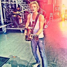 Just saying...there is nothing hotter than an Australian hottie with a guitar and a voice that'll make me melt:) Every time.