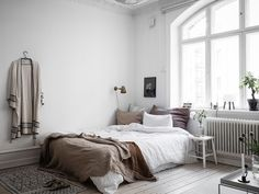 my scandinavian home: A Small Swedish Space That Will Make You Want to Downsize! #bedroom #studio #whitelinen #kimono