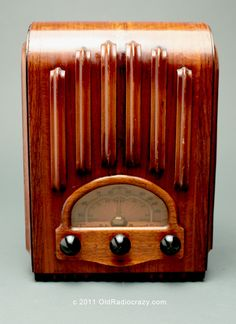 "Emerson Model AU213 ""Ingraham Cabinet"" Tube Radio 