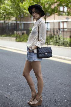 BLOUSE: Goldie  BAG: Chanel  HAT: H & M
