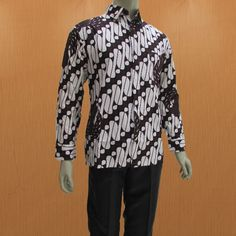 Model baju batik pria lengan panjang dengan krah kemeja formal untuk para  pria 8f5240c3a0