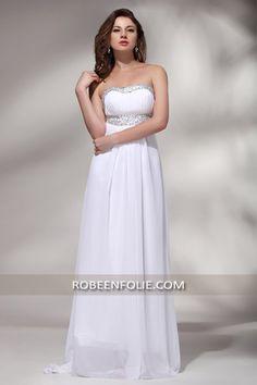 Un look #unique de #célébrité à vous recommander ! Cette #robe_bustier longue en mousseline de qualité, avec le #décolleté et la #taille #ornés des strass argentés. Nouvelle Collection #robe_en_folie ! Est-ce que vous êtes prête pour la #soirée prochaine.