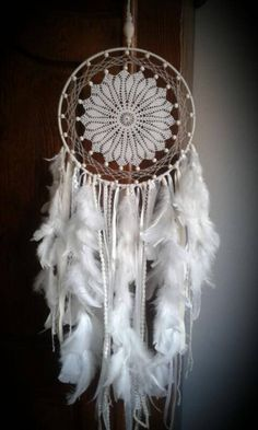 This dream catcher is made in her circle of yarn, hand made crochet doily and wooden beads It is embellished with beautiful white feathers, ribbons and lace. Dream Catcher Patterns, Dream Catcher Craft, Dream Catcher White, Rope Crafts, Yarn Crafts, Diy And Crafts, Beautiful Dream Catchers, Crochet Dreamcatcher, Doilies Crafts
