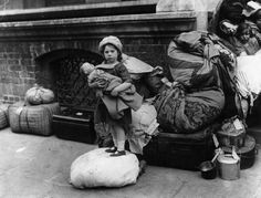 Catholic children from Belfast relocated in Dublin during the Irish Civil War, 1922