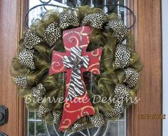 Another great wreath idea- animal print and painted cross. Instead of gold mesh, I would use a burlap ribbon. Tulle Wreath, Diy Wreath, Wreath Ideas, Easter Wreaths, Holiday Wreaths, Holiday Decor, Deco Mesh Wreaths, Door Wreaths, Decor Crafts