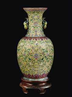 A large yellow-ground porcelain vase with storks and double pumkins-handles, China, Qing Dynasty,Daoguang Mark
