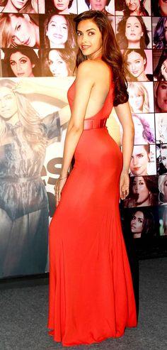 Deepika Padukone : Photos: Deepika and other celeb beauties at a bash
