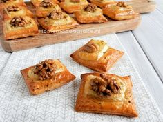 Minidorp Dickensville Elfsteden - Homemade by Joke Tapas, Appetizer Recipes, Snack Recipes, Cinnamon Bread, Dutch Recipes, Snacks Für Party, Savory Snacks, High Tea, Yummy Drinks