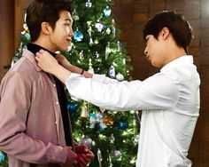 Namjin looking like they getting ready for the family Christmas picture <3