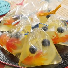 レモンゼリー Fruit in lemonade bag Fish bag prize Bento, Sweets Recipes, Cooking Recipes, Cold Desserts, Food Garnishes, Japanese Sweets, Breakfast Snacks, English Food, Cafe Food