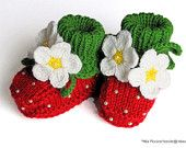 Knitted Baby booties Red Strawberry baby girls shoes christmas handmade hand knit baby shoes toddler shoes  / size 0-3 M