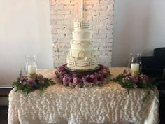 Quince Cakes, Quinceanera Cakes, Wedding Cakes, Table Decorations, Furniture, Home Decor, Wedding Gown Cakes, Decoration Home, Room Decor
