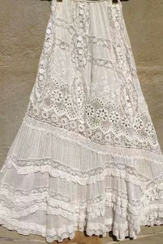 this skirt! Vintage white all over embroiderery Bonnie Strauss Clothing and JewelryLove this skirt! Vintage white all over embroiderery Bonnie Strauss Clothing and Jewelry Bohemian Mode, Hippie Chic, Bohemian Style, Boho Chic, Gypsy Style, Boho Gypsy, Hippie Style, Boho Outfits, Vintage Outfits