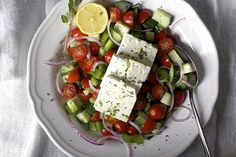 greek salad with lemon and oregano
