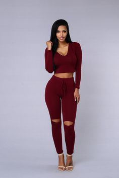 I need these pants!!!!! Then my set will be complete!!!!!International Lover Legging - Burgundy