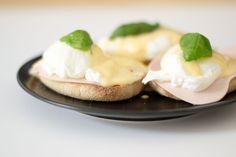 Egg Benedict, vegetarian style #eggbenedict #basil #breakfast #veggie