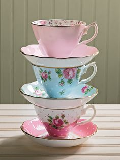 Tea cups and saucers.