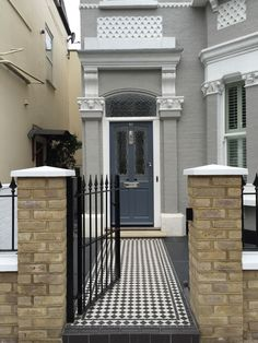 Black and white Victorian mosaic tile path front garden company London Black and white Victorian mosaic tile path front garden company London Victorian Front Garden, Victorian Front Doors, Victorian Terrace House, Front Garden Path, Front Path, Terrace House Exterior, House Paint Exterior, Wall Exterior, Victorian Mosaic Tile