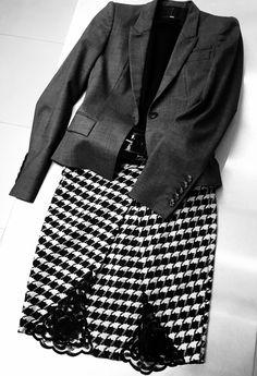 #ArmaniExchange #skirt #HugoBoss #jacket #Joseph #jumper #foodfashionandtravel #fashion #foodblog #foodblogger #wheretoeatinLondon #Londonrestaurantblog #LondonFoodie #whatIwore www.fizzoflife.com