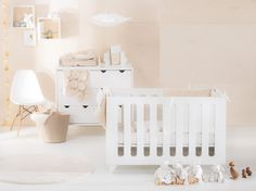 chambre bébé beige blanc
