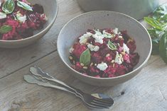Beetroot and Goat's Cheese Risotto with Fennel and Orange Salad. Simple and nutritious autumn recipe from Themis Chryssidis and Callum Hann's new book 'Quick. Vegetarian Recipes, Healthy Recipes, Vegetarian Dish, Healthy Habits, Healthy Snacks, Wine Recipes, Whole Food Recipes, Goats Cheese Risotto, Fennel And Orange Salad
