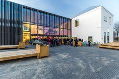De Cacaofabriek in Helmond is geopend. In het voormalige industriële pand zijn onder meer een poppodium, tentoonstellingsruimten en werkplekken...